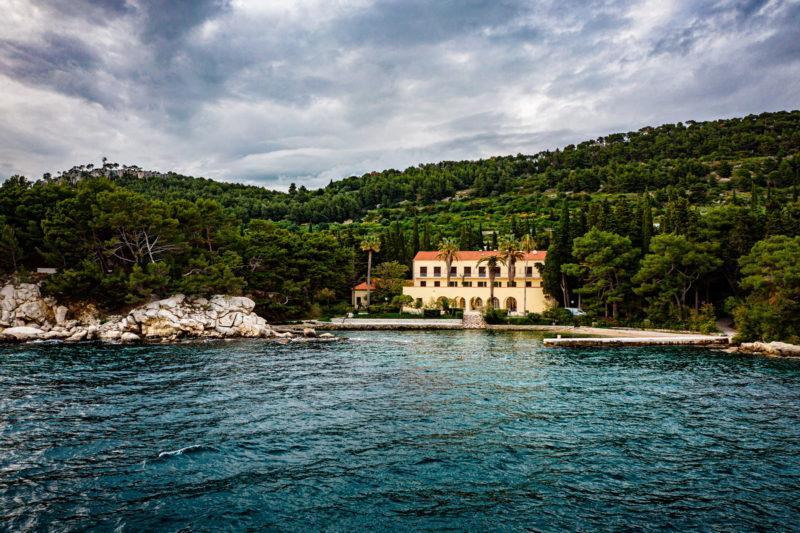 hochzeit kroatien hochzeitslocation strand villa heiraten trauung 03 800x533 - Versteckte Villa am Meer