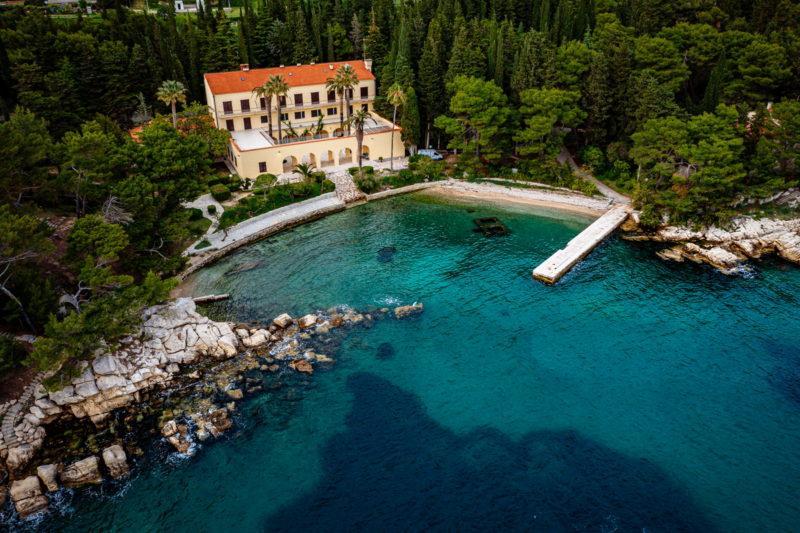 hochzeit kroatien hochzeitslocation strand villa heiraten trauung 05 800x533 - Versteckte Villa am Meer