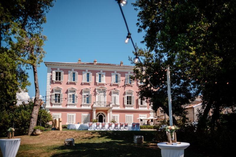 hochzeit kroatien hochzeitslocation villa meer heiraten trauung 02 800x533 - Rosa Stadtvilla