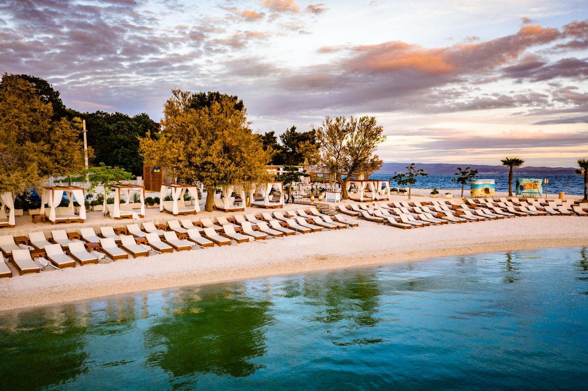 Beachclub für Hochzeitslocation am Strand in Kroatien