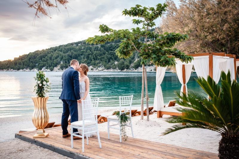 hochzeit kroatien hochzeitslocations heiraten strand beachclub joes 05 800x533 - Strandclub