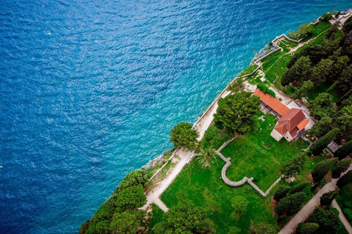Locaion für Hochzeit im Park am Meer in Kroatien