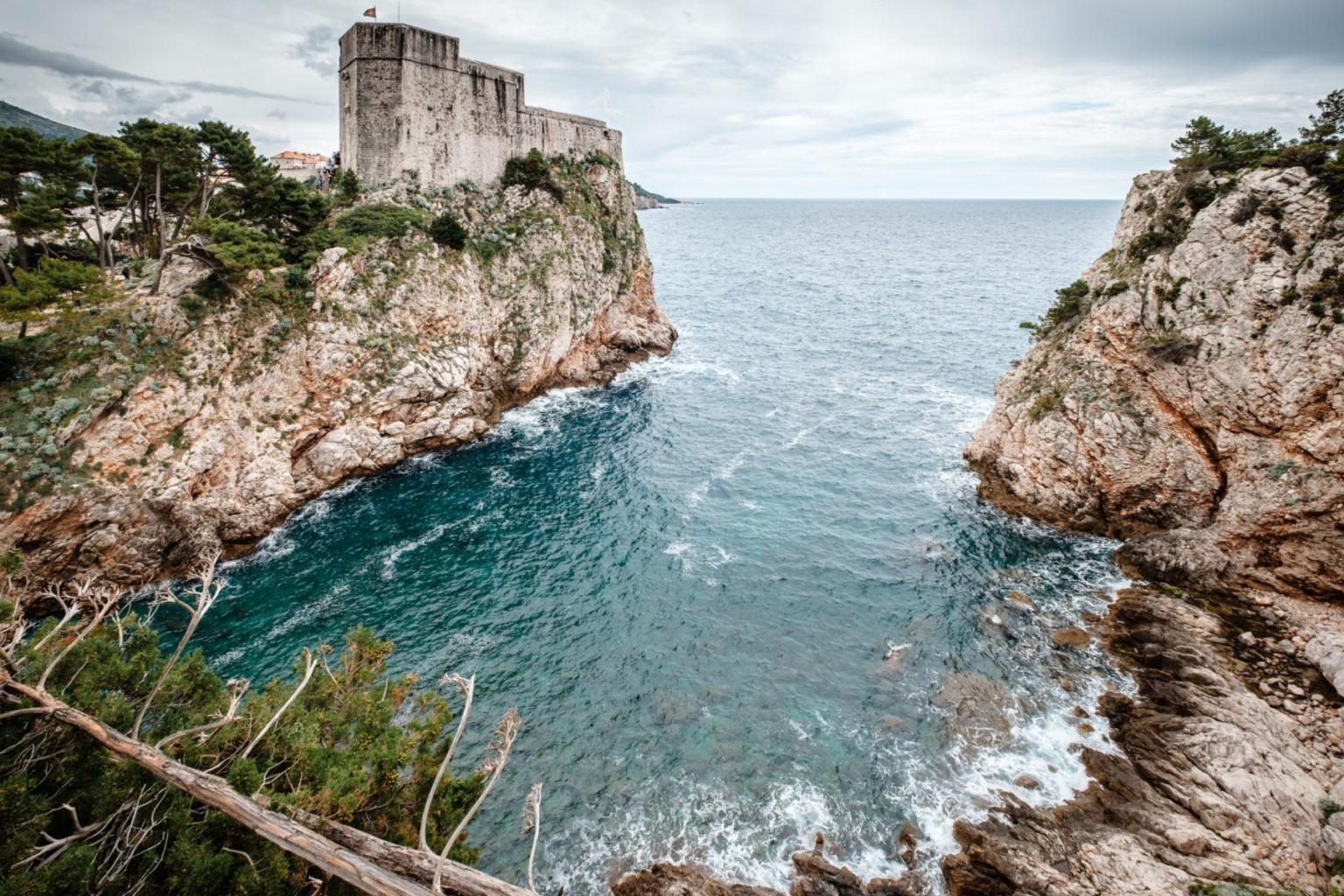Ausblick auf historische Festung in Kroatien