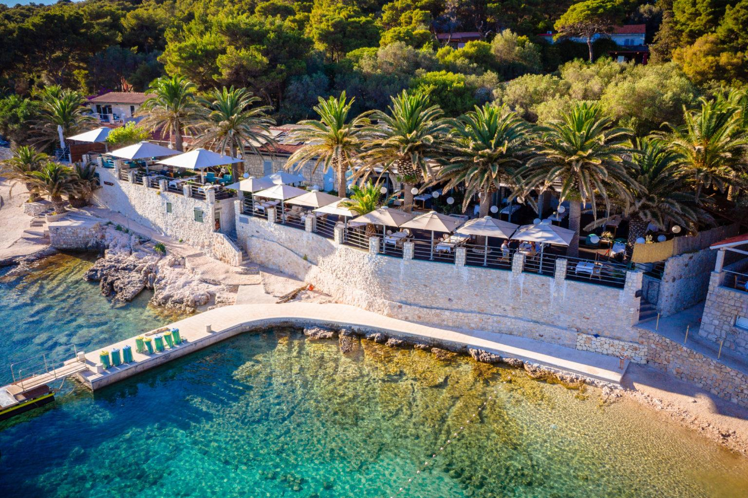 Beachclub Zori Heiraten Hochzeitslocation Dronen Hochzeit locatien am Meer highclass ausgezeichnetem Essen