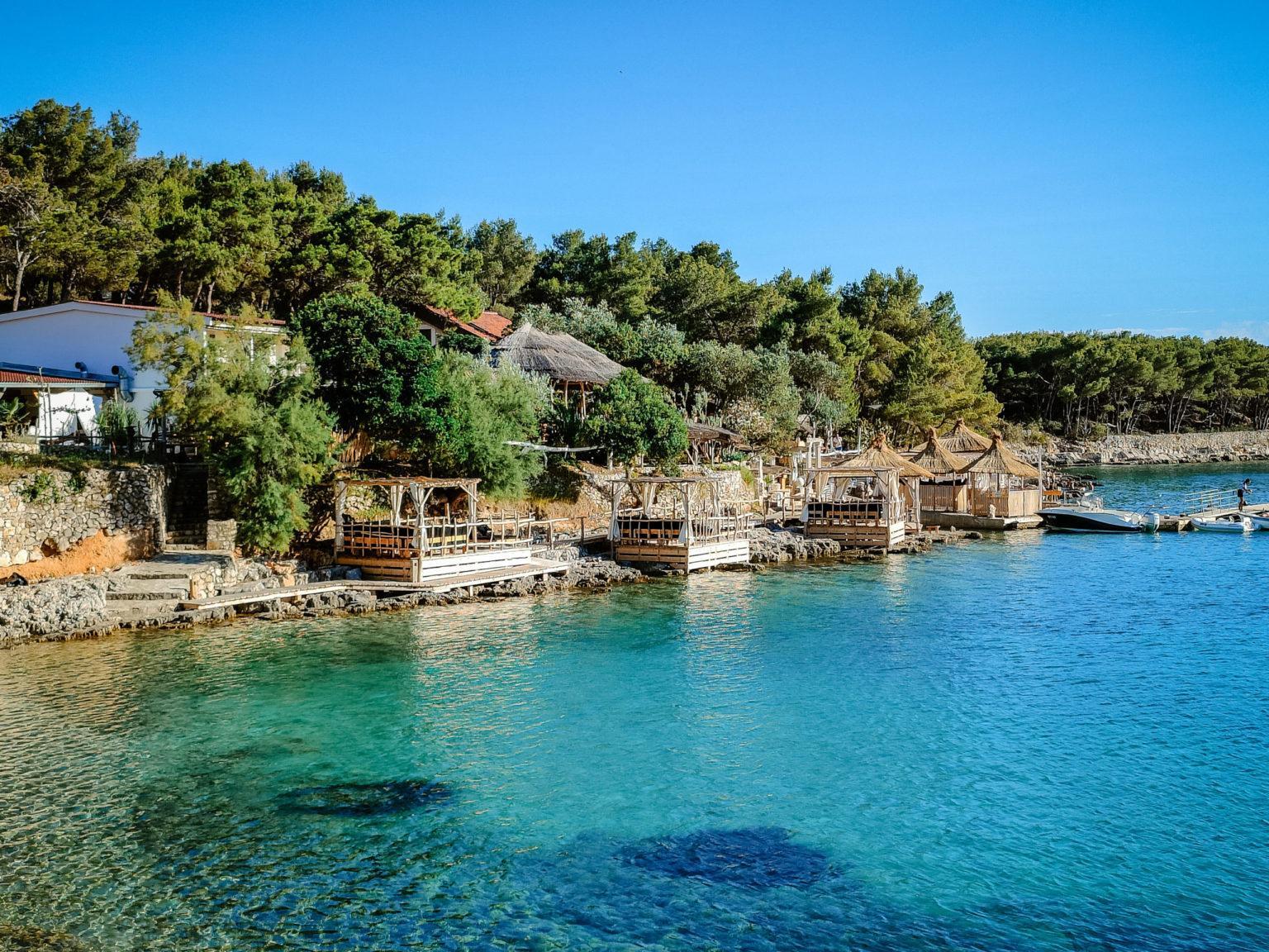 hochzeitslocation Kroatien location hochzeit heiraten 1 5 scaled - Beachclub in der Bucht