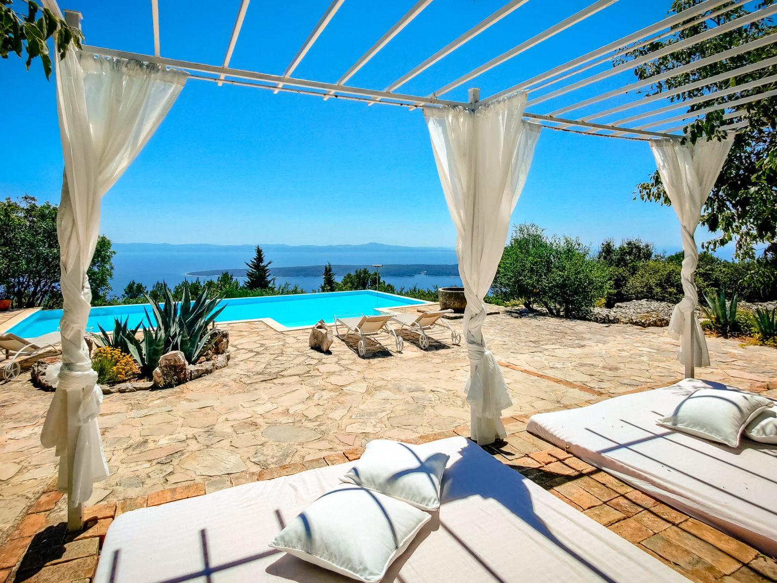 Hochzeit in der Villa Dvori Heiraten Hochzeitslocation Location in Kroatien Luxus Pool Meerblick
