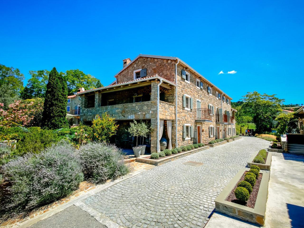 Hochzeit im Hotel San Canzian Heiraten Hochzeitslocation Location in Kroatien mit Pool mit Gärten