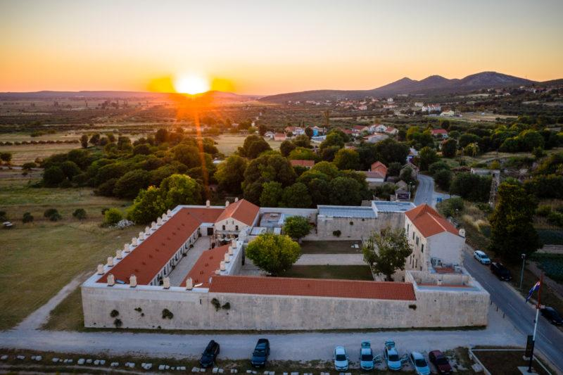 hochzeitslocation Kroatien location hochzeit heiraten 7 7 800x533 - Croatia Love - Eure Hochzeit in Kroatien