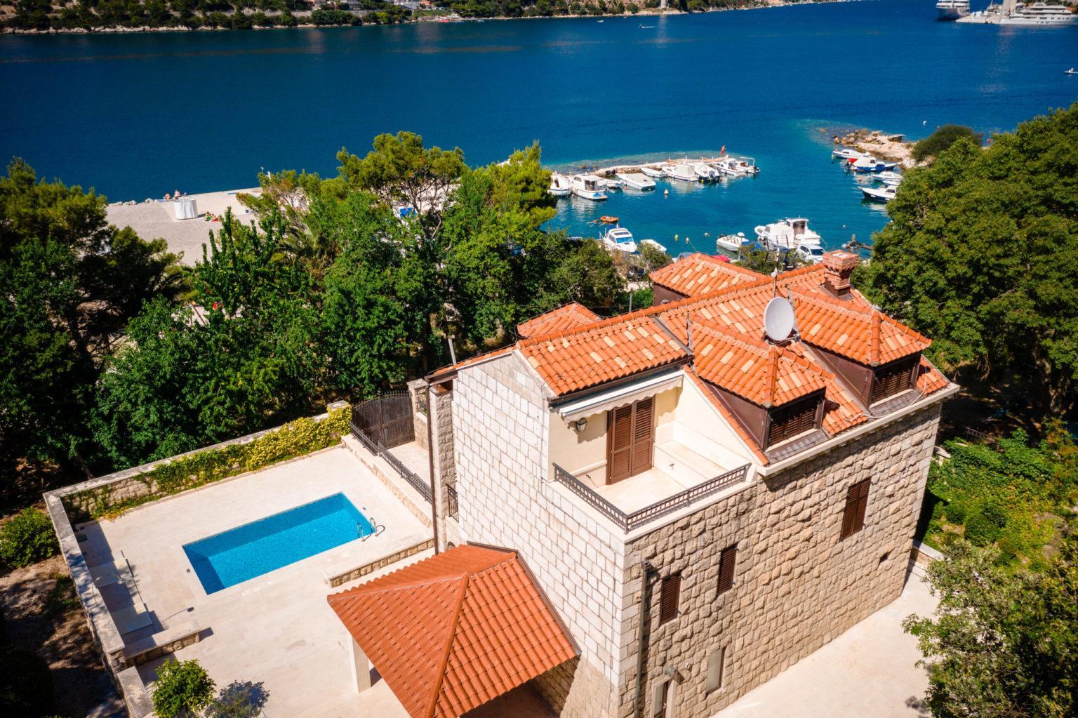 Hochzeit in der Villa Francia Heiraten Hochzeitslocation Location in Kroatien Luxus am Wasser Whirlpool Pool
