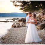 Gründe Hochzeit in Kroatien Hochzeitsplanung Brautpaar Strand